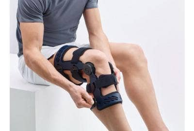 How Does an Online Store Do Custom Knee Braces?